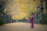 『降幡愛写真集 いとしき』(玄光社)掲載写真・秋より
