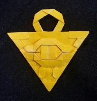 折り紙作品、遊戯王「千年パズル」 正方形不切の4枚の組み合わせ