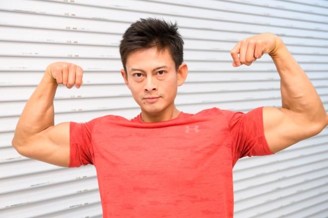 NHK『みんなで筋肉体操』のコスプレで登場したコスプレチーム「肉体造形部」のメンバー・kenさん