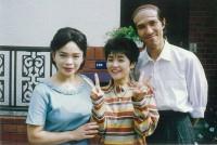仕事のオフショット写真。母親役を演じた上村(写真一番左)