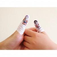 外出先で行列時の息子とのひまつぶしは、もっぱら指相撲。アポロ・クリード vs ロッキー・バルボア