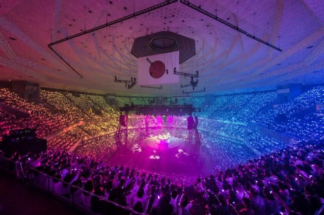 『松任谷由実 TIME MACHINE TOUR Traveling through 45years』東京・日本武道館公演の模様 Photo by 田中聖太郎