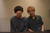 写真左/Vo&Ba アマダシンスケ 写真右/Gt&Cho カマタリョウガ