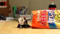 『仮面ライダーウィザードがカルビーのポテトチップスを食べる』 ポテチに顔が!!