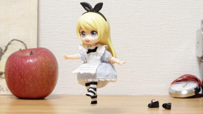 ねんどろいどどーるのアリス『アリスがスキップする』