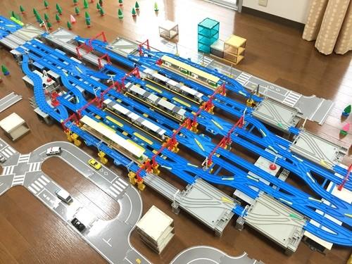 函館本線の再現「札幌駅」再現するのに、トレインケースや高架ポイントレール、複線ポイントレールを使用