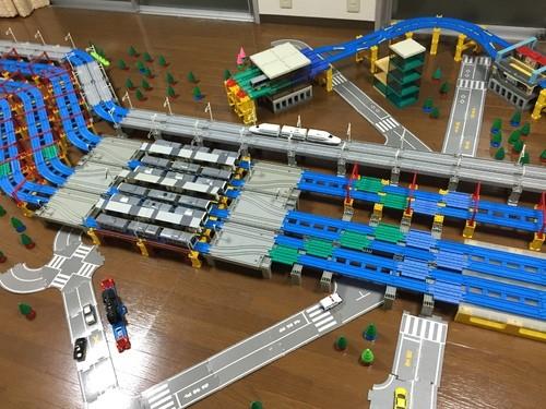 東海道線・山手線・京浜東北線・ゆりかもめ「新橋駅」を再現