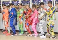 バイーンポーズをするDA PUMP=『LIVE DA PUMP 2019 THANX!!!!!!! FINAL』公演前囲み取材より(C)ORICON NewS inc.