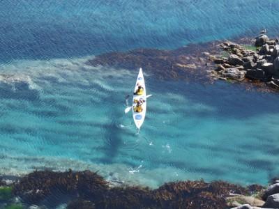 透き通る青さの利尻島の海