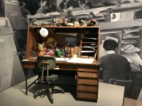 アニメーターの机 東映アニメーション所蔵=『高畑勲展─日本のアニメーションに遺したもの』東京国立近代美術館で開催中(7月2日〜10月6日)