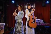 ライブイベントに出演した高橋李依(左)と大原ゆい子