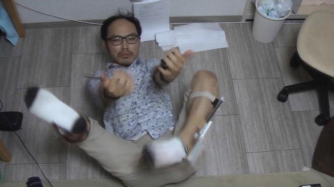 「仕込みiPhone3号機」を実演する森翔太氏(動画よりキャプチャ)