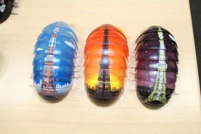 ご当地カプセルの東京編として、「だんごむし」の背中に「東京タワー」をデザインしたシリーズを検討中