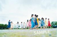 日向坂46グループ写真集のコーチャンフォー特典生写真(撮影/YOROKOBI)