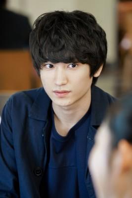 ゲイの高校生を演じた、主演の金子大地 (C)NHK