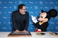 『D23Expo 2019』で「ディズニー・レジェンド」として表彰されたジョン・ファヴロー