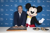『D23Expo 2019』で「ディズニー・レジェンド」として表彰されたケニー・オルテガ