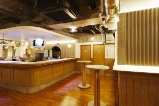 地下1階のカフェラウンジ。