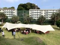 ホテル等と提携し、国内外のリゾート地でも開かれている
