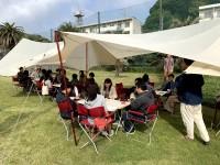 テント張りなどの共同作業などでチームワークが高まるきっかけに