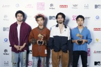 『VIDEO MUSIC AWARDS JAPAN 2019』に出演したKing Gnu