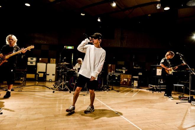 "ONE OK ROCKが1回限定で放映した『ONE OK ROCK 2019-2020 ""EYE OF THE STORM"" JAPAN TOUR』リハーサル(放映は9月20日午後10時9分〜=渋谷駅前・周辺ビジョン)"