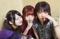 左からZOCの西井万理那、藍染カレン、香椎かてぃ(写真:逢坂聡)