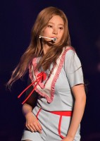 美貌と色気漂うダンスで魅了するキム・ミンジュ