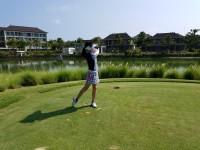 石原詢子のプライベートショット(大好きなゴルフ)