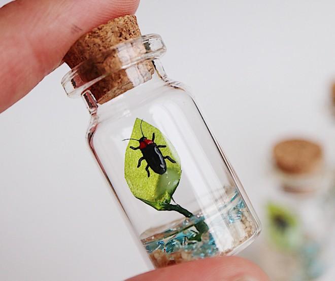 蛍の小瓶。制作・写真/sawamin