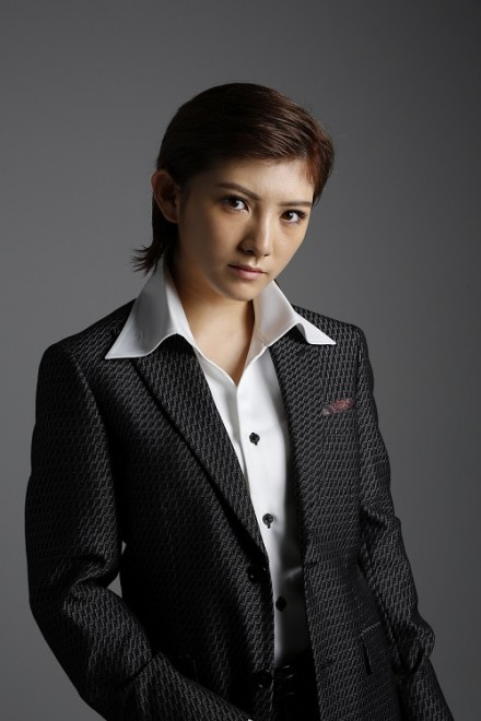 舞台『仁義なき戦い〜彼女(おんな)たちの死闘篇〜』に、広能昌三役で出演する岡田奈々(AKB48、STU48)