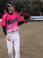 近年、友人とキャッチボールする真田ナオキ 写真提供/本人