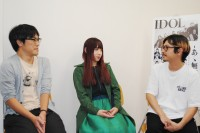 撮影の裏側を語る岩淵弘樹監督、アユニ・D、渡辺淳之介P(左から)