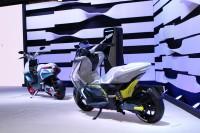 「第46回東京モーターショー2019」で展示されたヤマハの電動スクーター『E01』