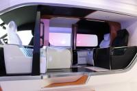 「第46回東京モーターショー2019」で展示されたトヨタ車体『グランエース』の「ロングスライドシート」