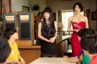 メ〜テレのオリジナルホラードラマ『FUN HOUSE』に出演した松本まりか(中央)と護あさな(右)