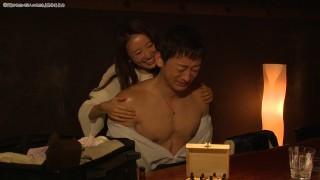ゲスト出演した、テレビ大阪の即興恋愛ドラマ『抱かれたい12人の女たち』(土曜 深1:26〜1:56)より (C)「抱かれたい12人の女たち」製作委員会