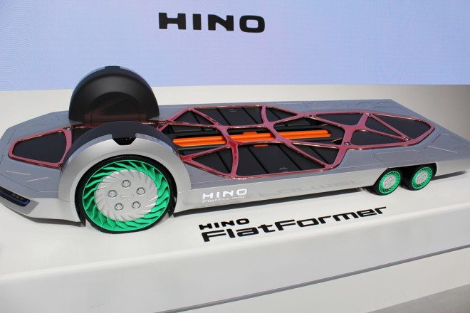 「第46回東京モーターショー2019」の日野自動車ブースで展示された『FlatFormer』