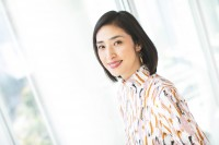 『磯野家の人々〜20年後のサザエさん〜』で主演する天海祐希