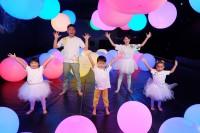 自身が手がけた「シナぷしゅダンス」を踊るテレビ東京・松丸友紀アナウンサー(C)テレビ東京