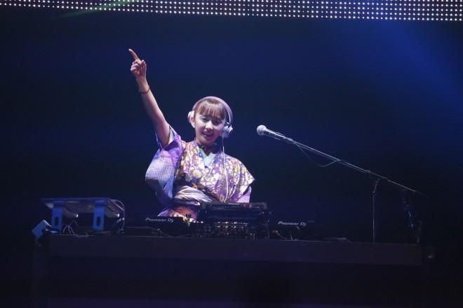 『Anime Rave Festival vol.5』でDJを務めた人気声優・小宮有紗