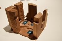 スライスト・ポロシティ・ブロック(中国・成都)/アメリカを代表する建築家スティーブン・ホール氏による建築模型(建築倉庫ミュージアム『Steven Holl:Making Architecture』より)