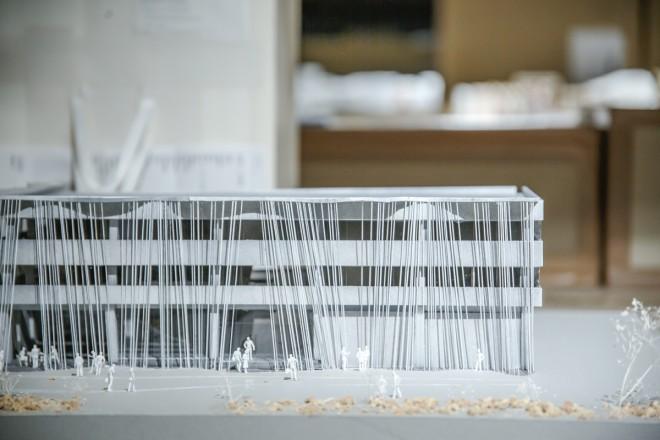 隈研吾氏が手がけた「小松精練ファブリックラボラトリー fa-bo」の建築模型(C)隈研吾建築都市設計事務所