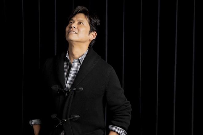 織田裕二のインタビュー撮り下ろしカット(写真:草刈雅之)