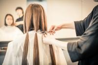 ヘアドネーションに寄付するためのヘアカット