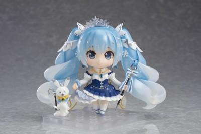 雪ミク Snow Princess Ver.(雪ミク&ラビット・ユキネ2019衣装原案:- L F -/ラビット・ユキネ原案:nekosumi/(C)Crypton Future Media, INC. www.piapro.net)