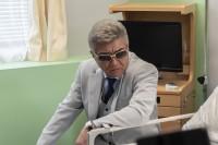 病室を訪れる川谷(小沢仁志) 『日本統一37』より