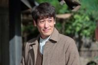 連続テレビ小説『スカーレット』第2週より。第10回。みんなに別れのあいさつをする草間宗一郎(佐藤隆太)(C)NHK