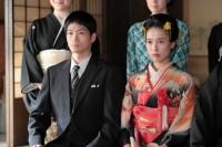 連続テレビ小説『スカーレット』第12週・第72回より。喜美子(戸田恵梨香)と八郎(松下洸平)がついに結婚(C)NHK
