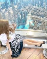 ドバイの世界一高い超高層ビル「ブルジュ・ハリファ」で撮影された一枚